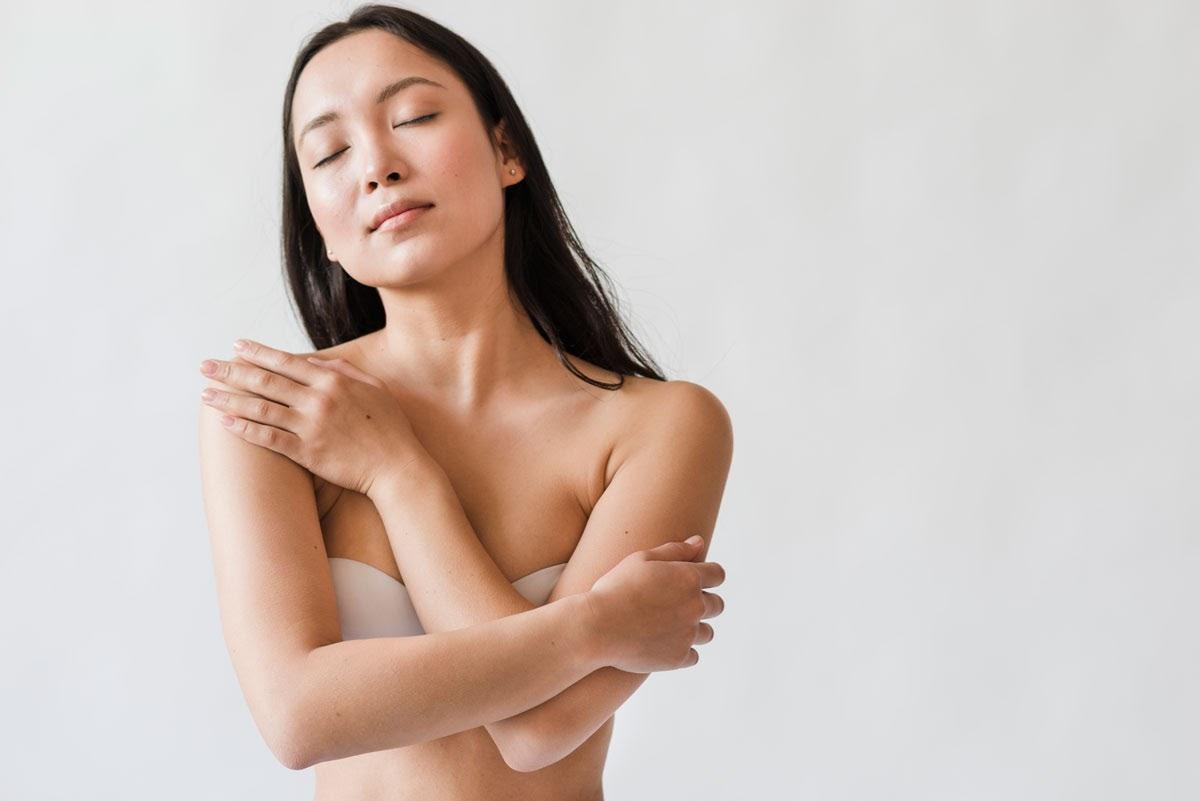 nude Malaysian young woman